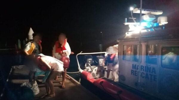 Rescatan a 11 personas que estaban a la deriva en costas de Veracruz