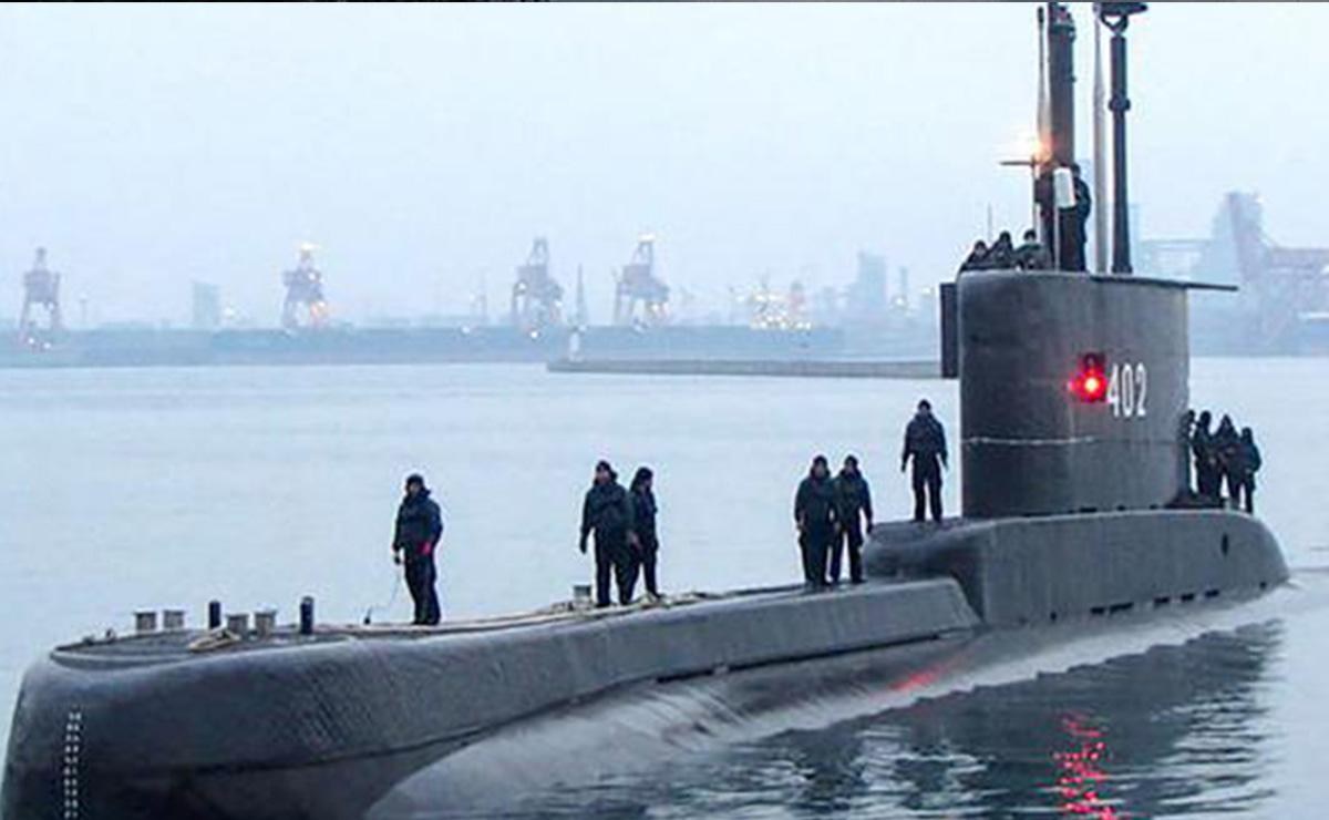 Agonizan tripulantes de submarino hundido en Indonesia