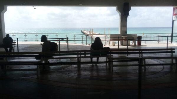 Repunta flujo de pasajeros en terminal marítima de Playa Del Carmen