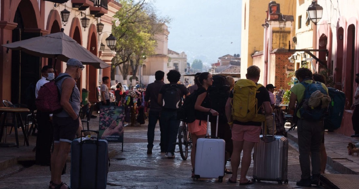 Tercera ola de Covid-19 inicia en Chiapas; vuelven vacacionistas contagiados