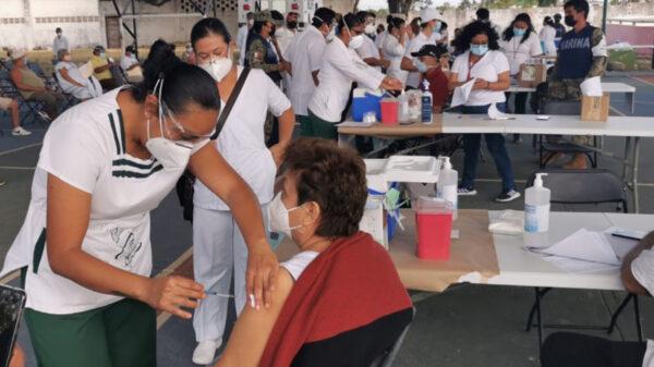 Realizan segunda jornada de vacunación anticovid en Cancún