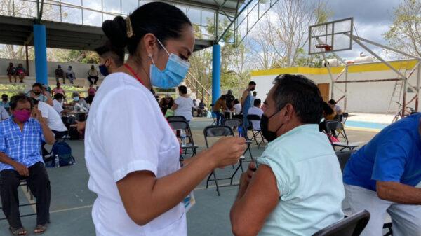 Extienden fecha de vacunación covid-19 en zona maya