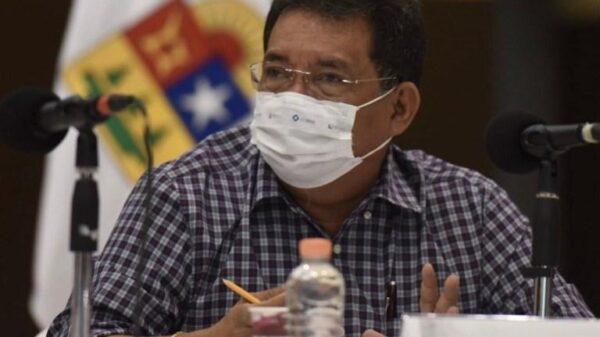 Se amacha Hernán Villatoro: no me voy del PT, advierte.