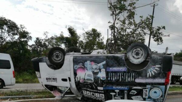 Se registra fuerte accidente en el bulevar Colosio de Cancún (VIDEO).