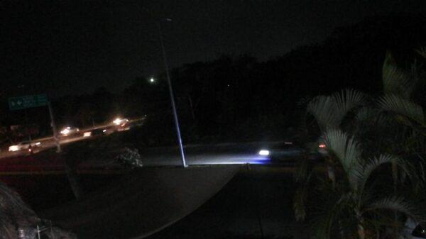 Sin energía eléctrica miles de usuarios en Playa del Carmen.