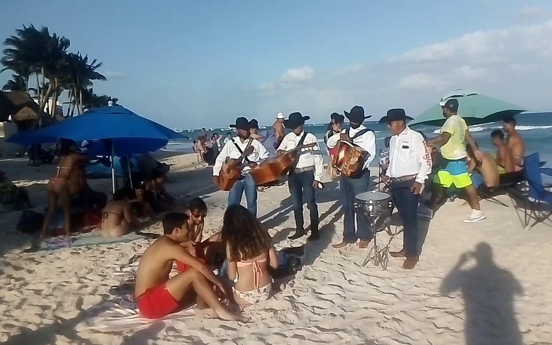 Semana Santa, tanque de oxígeno para turisteros de Playa del Carmen.