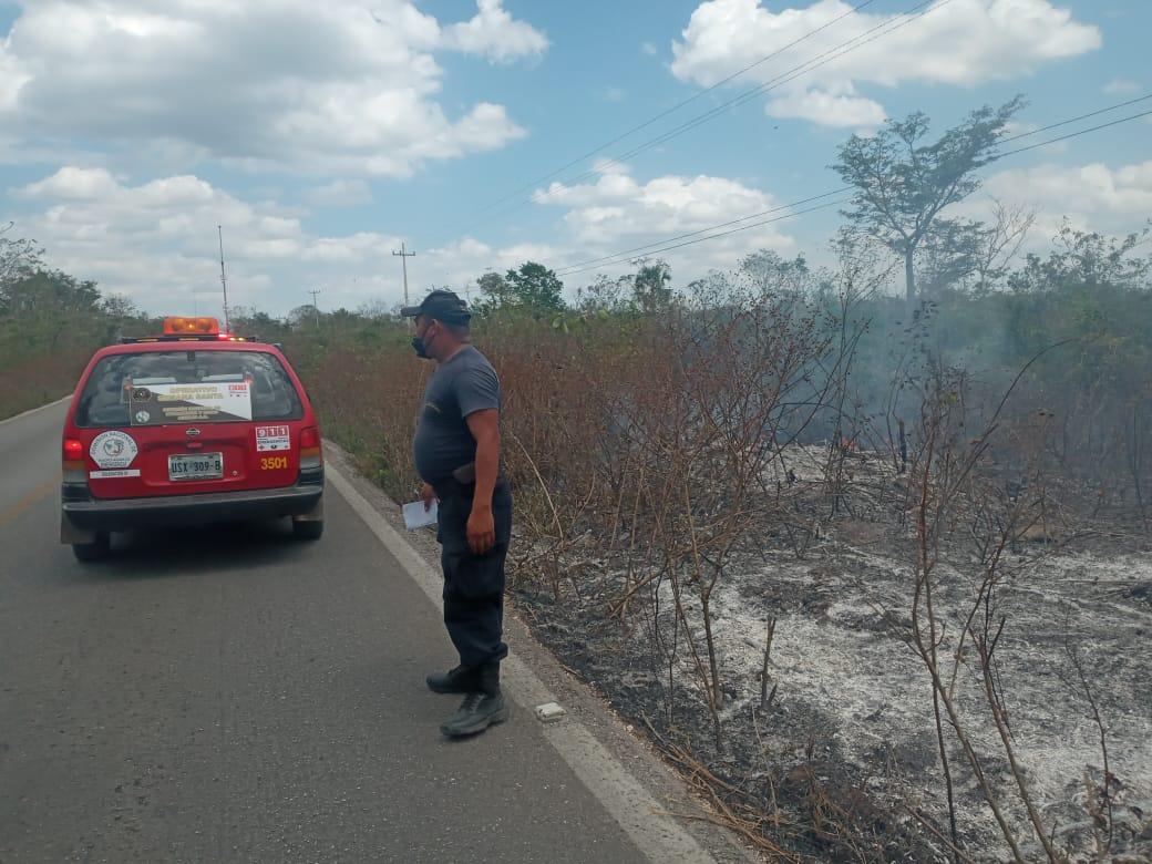 Conato de incendio en la carretera federal Cancún-Mérida.