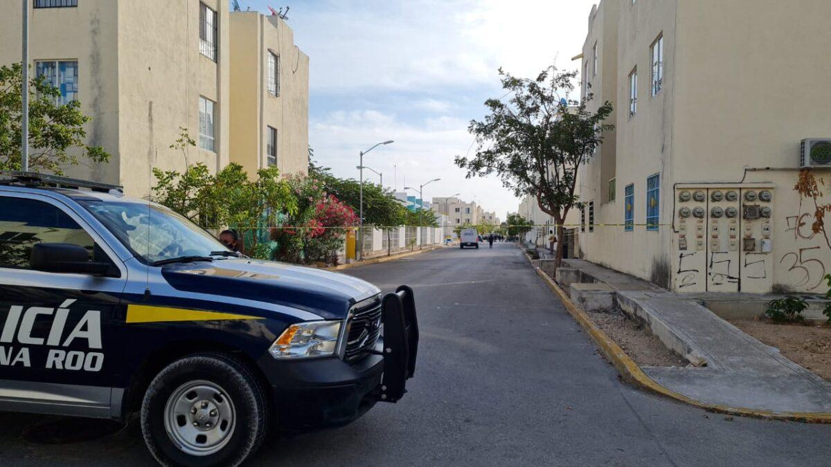 En Cancún dejan cadáver descuartizado frente a primaria en la Región 251 (VIDEO).