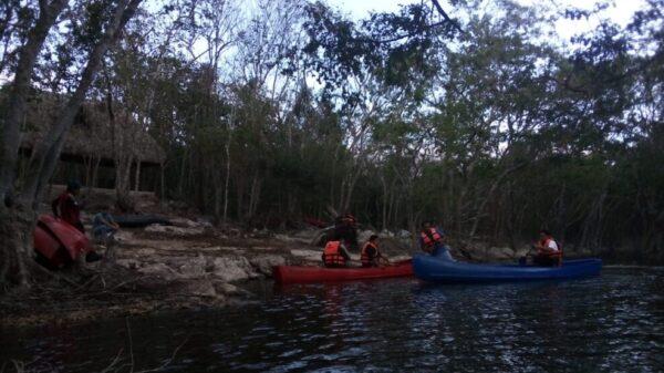 En El Cedral imparten cursos a guías de turistas y entrenamiento de canoas.