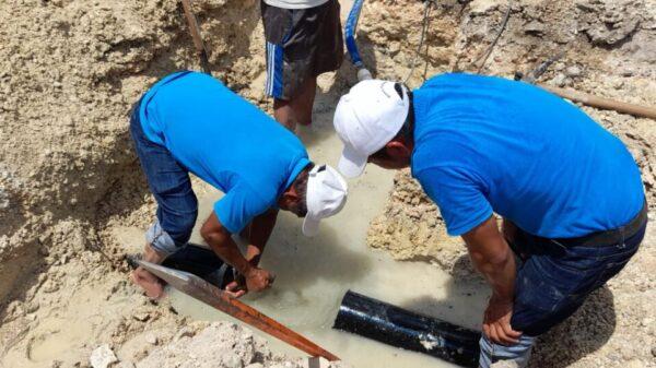 Restablecen el servicio de agua potable en el puerto de Chiquilá.