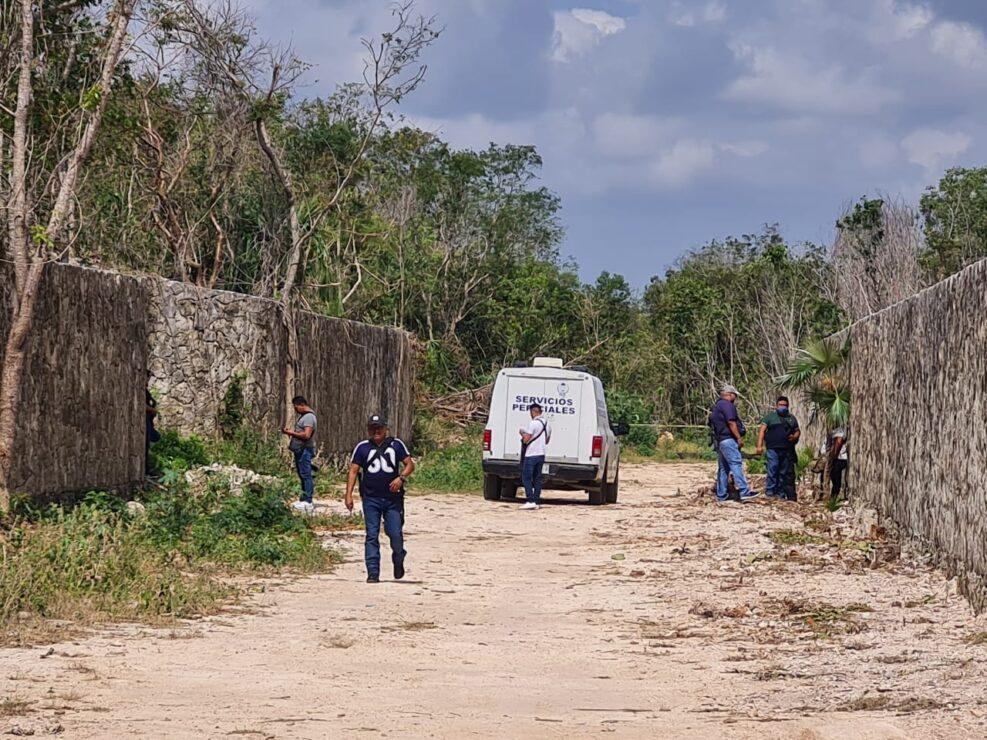 Hallan a una persona sin vida en la Supermanzana 307 de Cancún; se trata de un masculino que aparentemente fue golpeado.