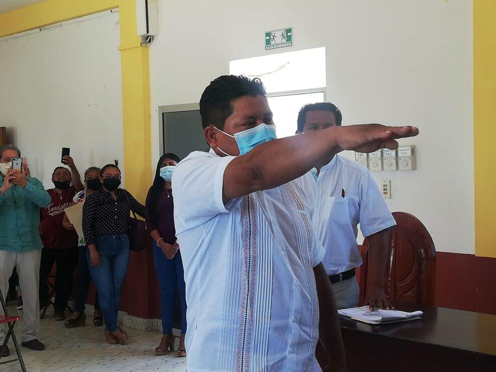 Aprueba Cabildo licencia a Nivardo Mena, presidente municipal de Lázaro Cárdenas; por 51 días asume de manera interina David Rosado Ek.