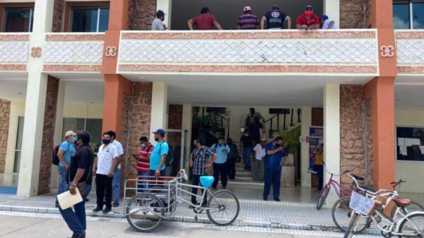 Reclaman pago delegados de comunidades rurales de Felipe Carrillo Puerto.