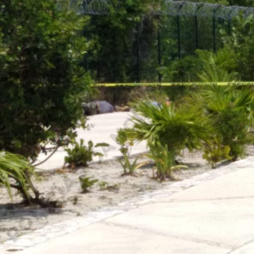Cancún: Dos ejecutados en el hotel Grand Palladium Costa Mujeres (VIDEO); cuatro sujetos armados arribaron y los sacaron de la obra.