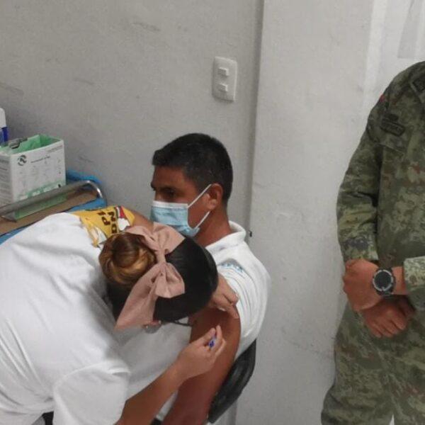 Dan fecha para vacunar contra Covid-19 a los del Colegio Médico de Quintana Roo.