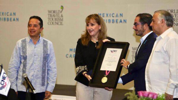 Anuncia Gloria Guevara inversión turística de mil 600 mdd en Quintana Roo.