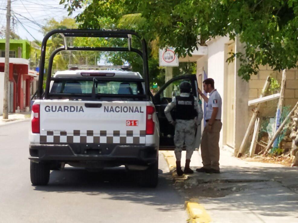 Detiene Migración a cuatro extranjeros ilegales en Cozumel; realizan agentes operativos en la Marina Fonatur y la Caleta.