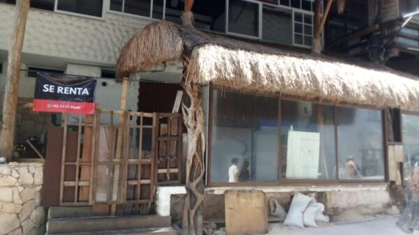 Piden empresarios regular rentas en dólares en Playa del Carmen.
