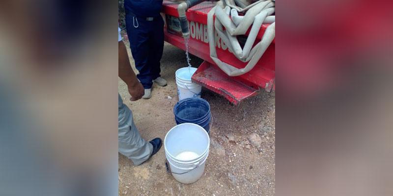 En Lázaro Cárdenas surten con el vital líquido a las familias El Tintal.