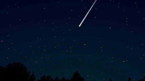 En video se captó el avistamiento de una bola de fuego surcando el cielo nocturno de Madrid, España