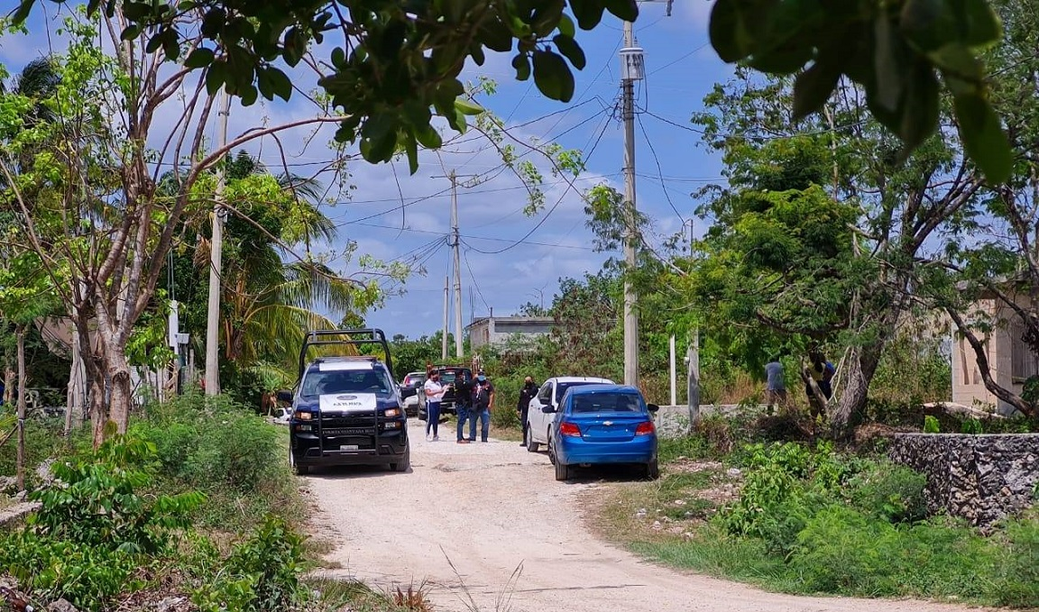 Feminicidio en la colonia El Milagro de Cancún; la pareja de la víctima fue detenido como el probable responsable.