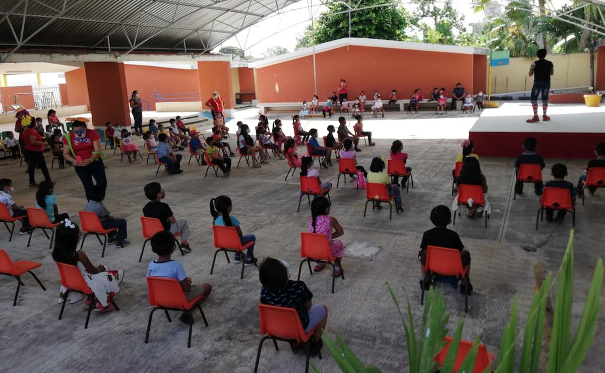 Festejan a niños de kinder en Kantunilkín
