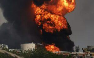 Reportan explosión en refinería de Pemex en Minatitlán