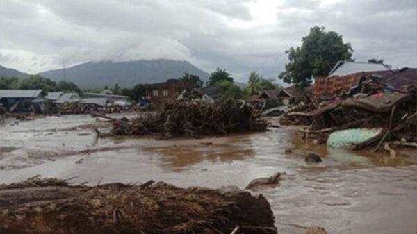 Ciclón amenaza con crear inundaciones en Indonesia