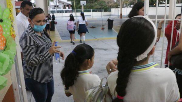 En Kanasín padres de familia piden el regreso a clases presenciales