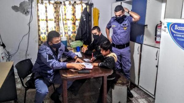 Si bien la policía en algunos países tiene mala reputación por casos de abusos y corrupción, la siguiente historia hace la excepción