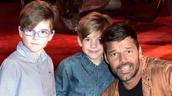 Ricky Martin aparece en foto con ¿la madre de sus hijos?