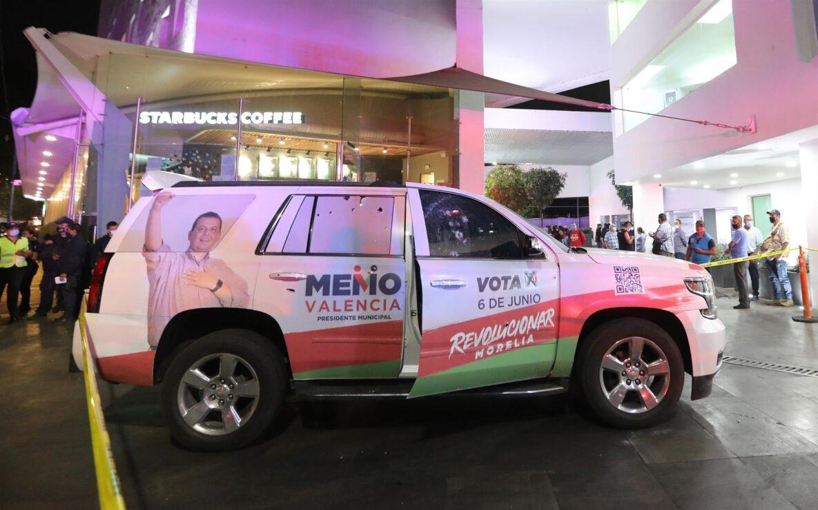 Balean camioneta de candidato del PRI a la alcaldía de Morelia (VIDEO).