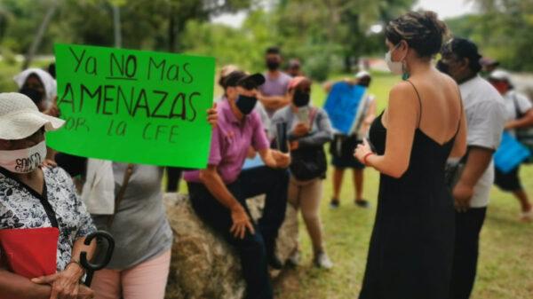 Bloquean ciudadanos acceso a la zona hotelera de Cancún