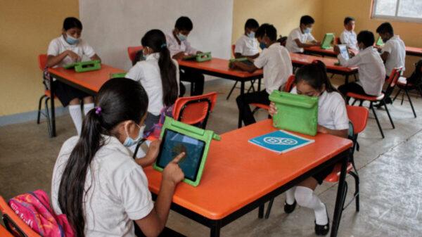 Estudiantes de Veracruz regresan a clases presenciales, el 24 de mayo
