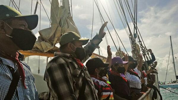 Zarpa 'Escuadrón zapatista' rumbo a Europa