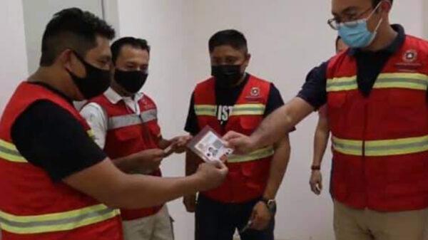 Entrega Protección Civil de Lázaro Cárdenas credenciales a inspectores