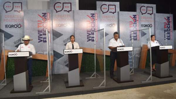 """Debate """"Express"""" para candidatos de Bacalar"""