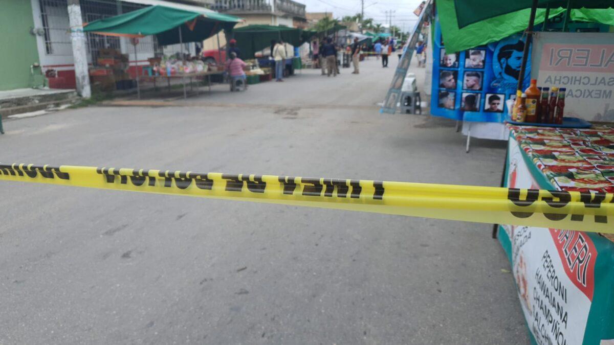 Cancún: Ejecutan a hombre en tianguis de la región 219
