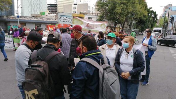 Exigen jubilados del IMSS devolución de Cesantía, Vejez y Cuota Social