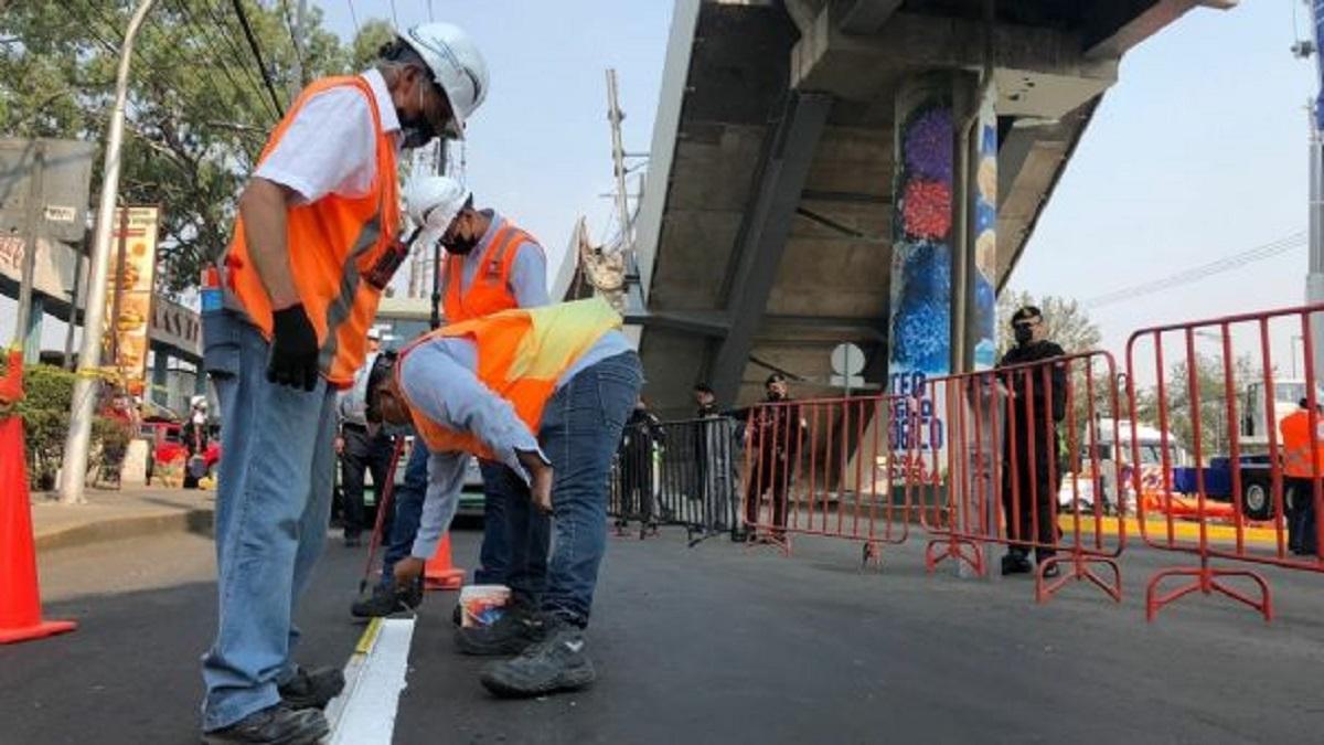 Trabajadores de la empresa noruega Det Norske Veritas laboran desde ayer en la zona del colapso de la Línea 12 del Sistema de Transporte Colectivo Metro.
