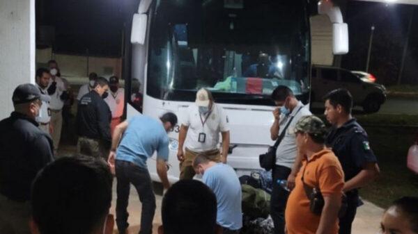 Detienen a siete presuntos 'polleros' con 32 migrantes, en Tabasco