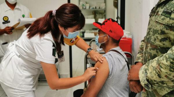 Abuelitos no fueron vacunados contra covid-19 en Cancún