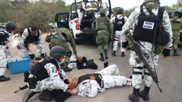 Deja 11 heridos volcadura de una patrulla de la Guardia Nacional.