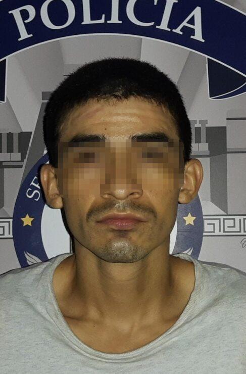 Detiene la Policía de Tulum a un sujeto con droga; le marcaron al verlo en actitud sospechosa y le hallaron varias dosis de cocaína.
