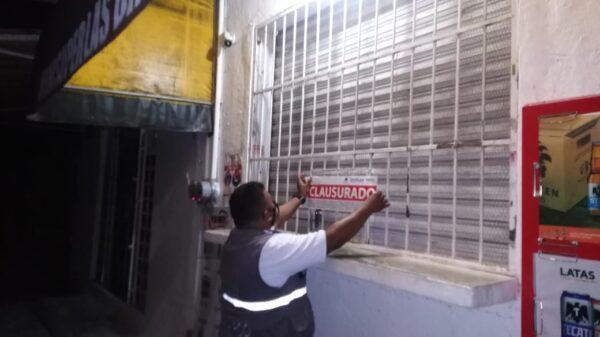 Más de 560 negocios sancionados por Riesgos Sanitarios en Quintana Roo.