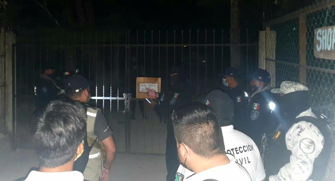 Revienta la Policía Quintana Roo 'fiesta Covid' en Tulum, aseguran a nueve personas en el cenote Mayan Blue en donde se llevaba cabo evento clandestino.