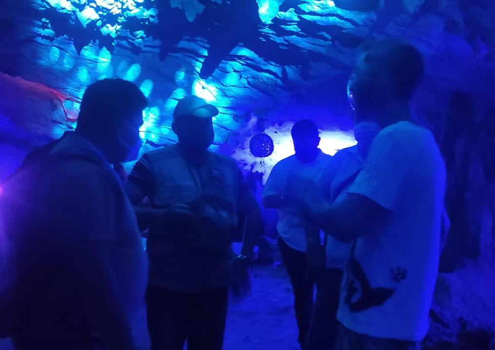 Tulum: Clausuran otra fiesta clandestina en una caverna en selva de Akumal.