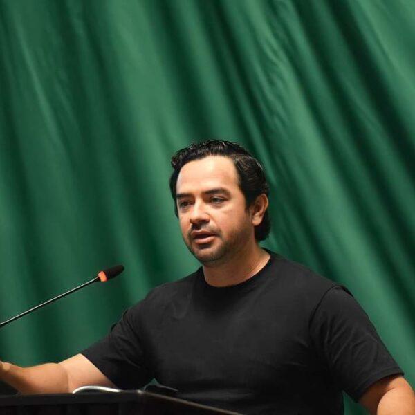 Analiza José Luis Toledo propuesta de presidir la mesa directiva del Congreso.