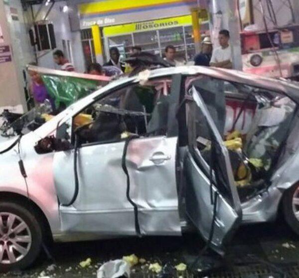 ¡Cuidado! Usar el celular en una gasolinera puede causar explosiones (VIDEO).