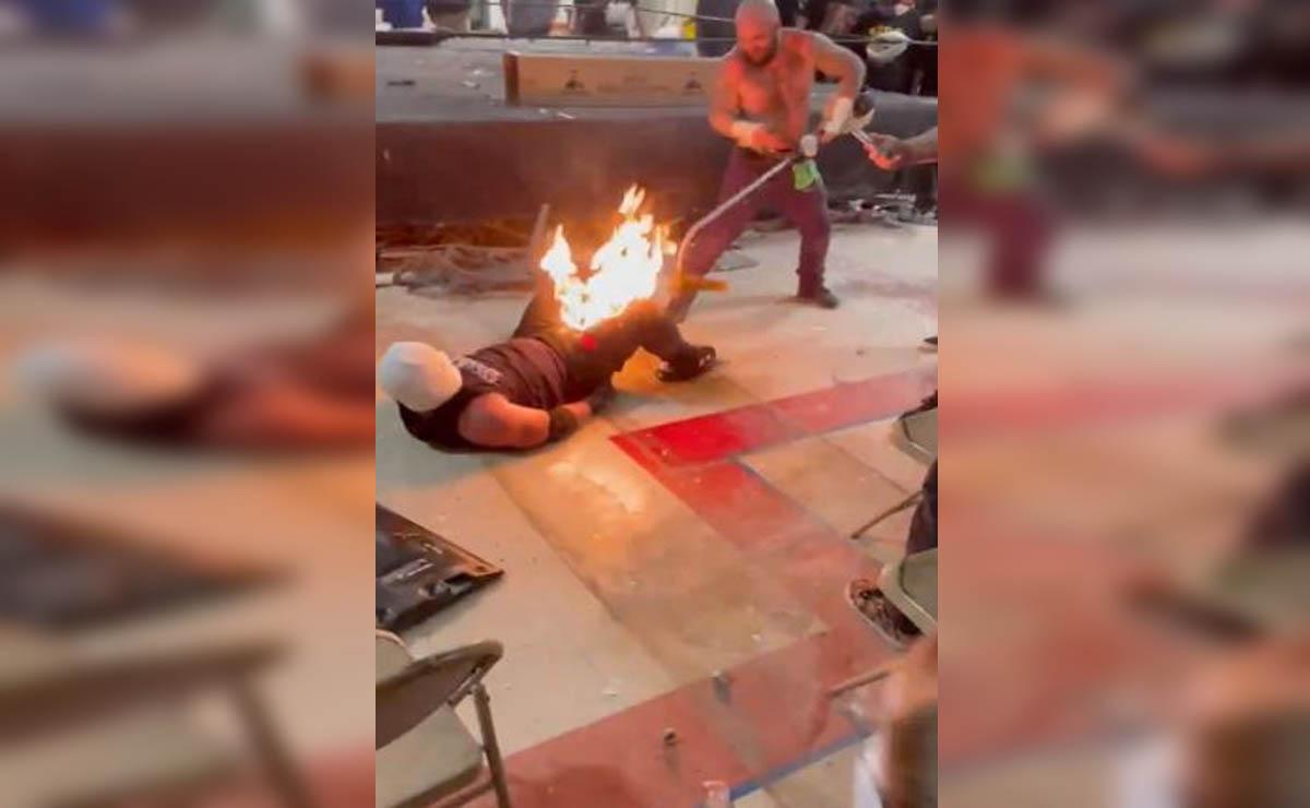 Luego de que un truco saliera mal durante su pelea, un luchador Pro Wrestling Trainwreck sufrió quemaduras en varias partes del cuerpo